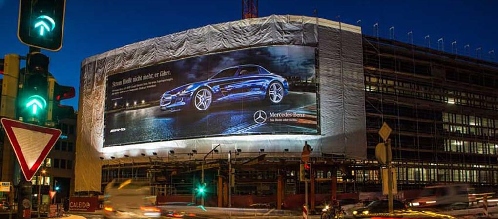 Plakatbeleuchtung Riesenposter