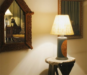 Halogen Globe Leuchten bringen Stimmung in einem Raum.