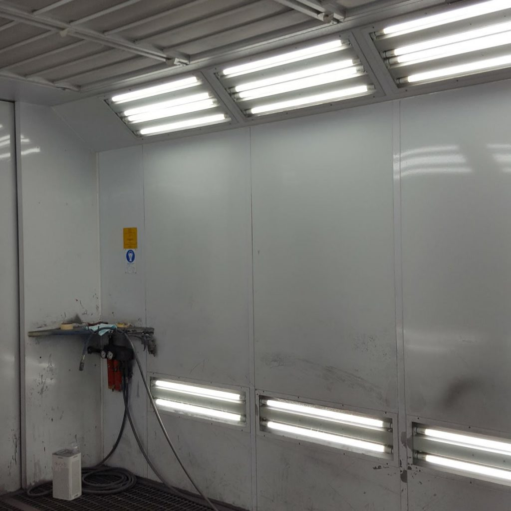 Umrüstung KFZ Lackierbox auf LED
