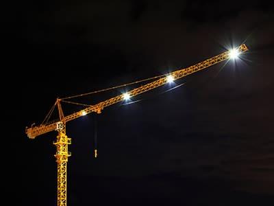 Kranbeleuchtung im Dunkel