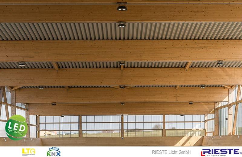 LED Reithallenbeleuchtung mit Lichtsteuerung
