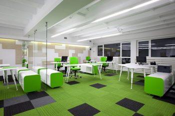 Lineare LED Bürobeleuchtung.