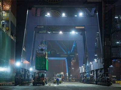 Portalkran Hafen Beleuchtung